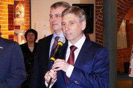 Иван Карнилин (справа на фото) подал в отставку