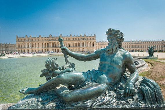 Президенты Франции и России познакомятся в Версале