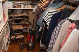 С вопросом хранения сезонных вещей сталкивается большинство жителей многоэтажных домов