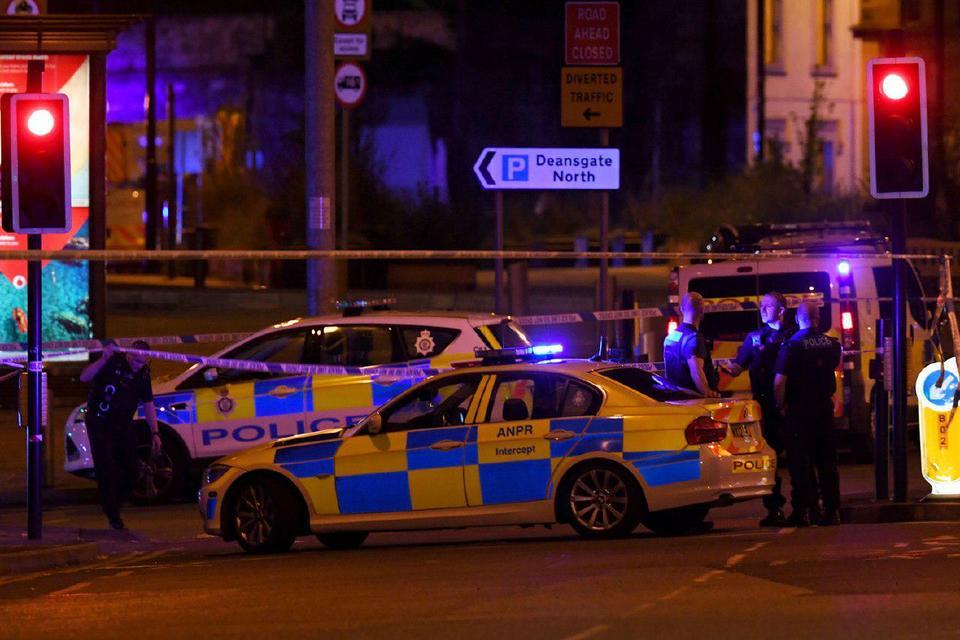 В Манчестере эвакуировали торговый центр из-за угрозы взрыва