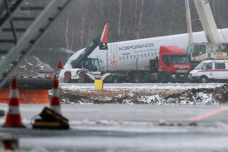В Калининграде возбуждено дело из-за выезда самолета за пределы ВПП