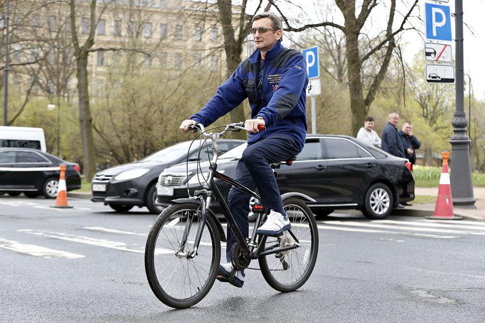 Председатель комитета по развитию транспортной инфраструктуры (КРТИ) Сергей Харлашкин задекларировал 15,6 млн руб.