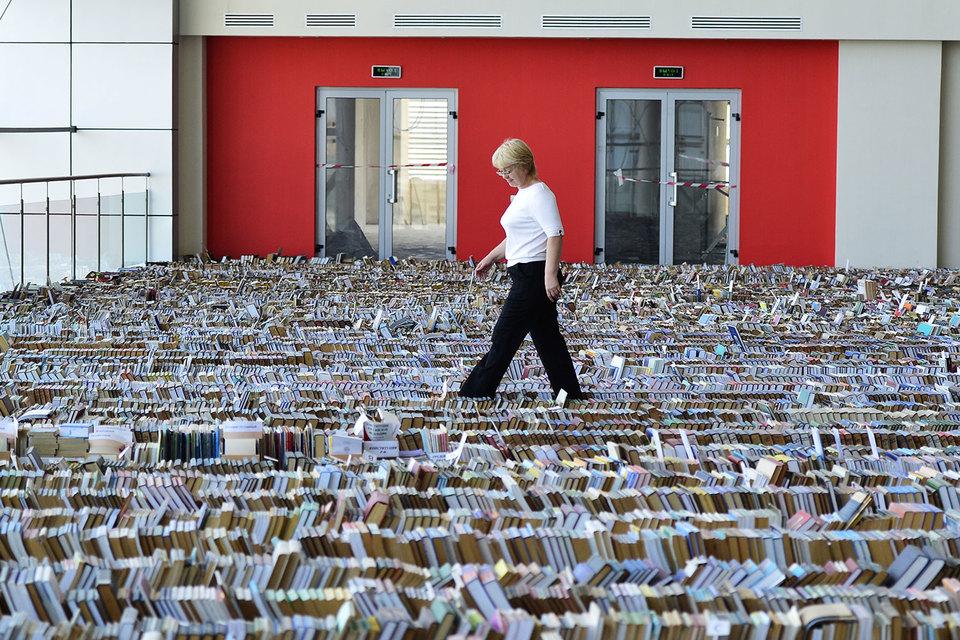 Чиновники пока не нашли способ сократить число учебников для школ
