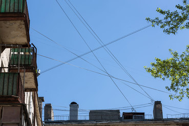 Демонтаж воздушных кабелей в Москве застопорился