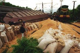 РЖД отказывает в большинстве запросов на перевозку грузов