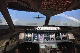 Российский SSJ100 поднимается в небо реже конкурентов из-за проблем с запчастями