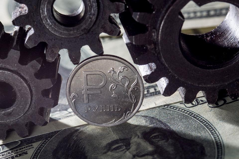 «Роснефть» не хочет брать на себя потери, которые понес рубль за последние три года