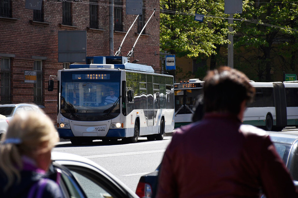 На конкурс на поставку троллейбусов поступило четыре заявки