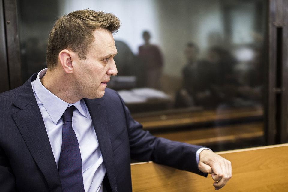 Суд отложил до среды вынесение решения по иску Усманова к Навальному