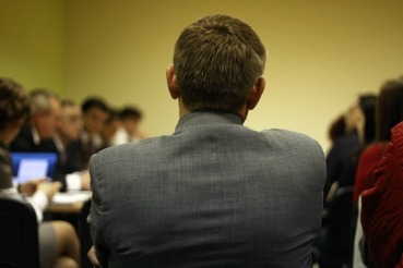 У гендиректоров крупных компаний гораздо больше шансов лишиться своего кресла из-за репутационного скандала, чем у их коллег из более мелких фирм