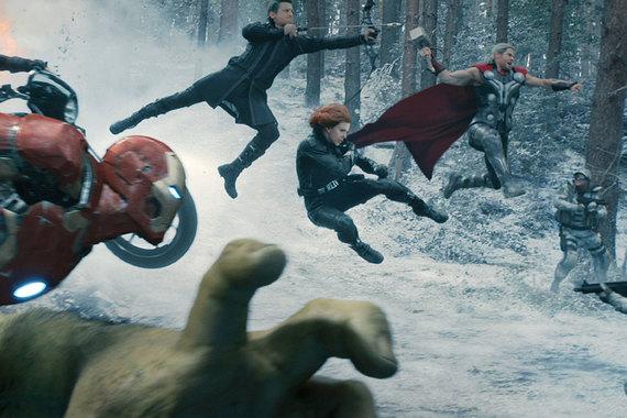 Картина «Мстители: эра Альтрона» собрала 1,7 млрд руб. Фильм, вышедший в прокат накануне майских праздников в 2015 г., показывали в России и СНГ на 2421 экране