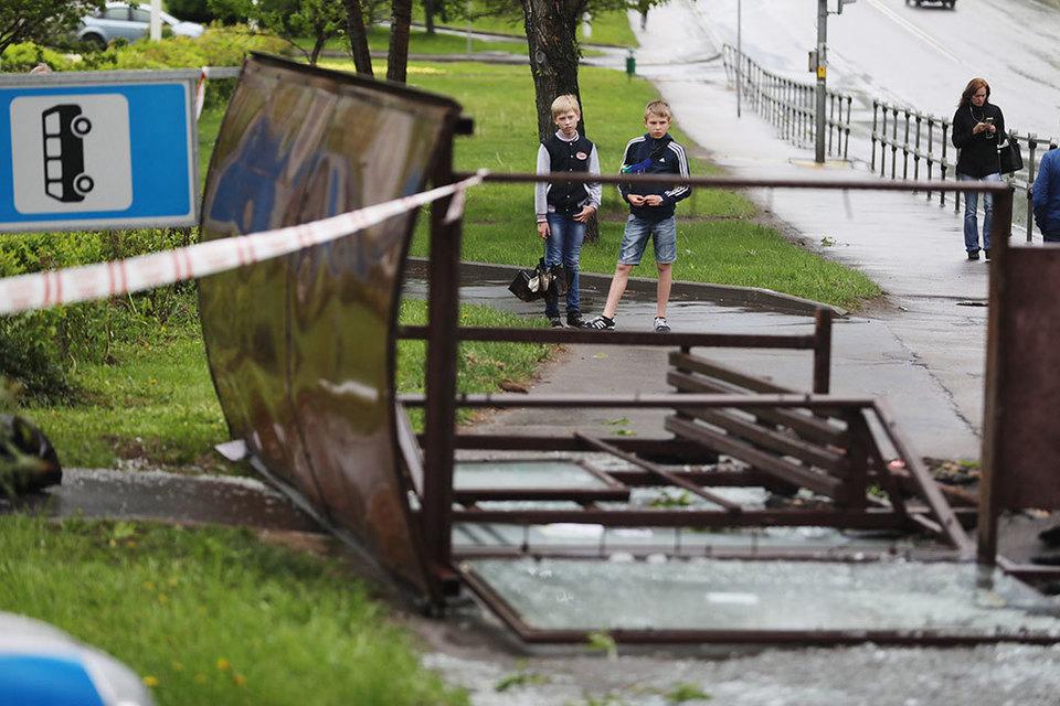 Московские абоненты не получили sms-предупреждений о шторме из-за позднего оповещения МЧС