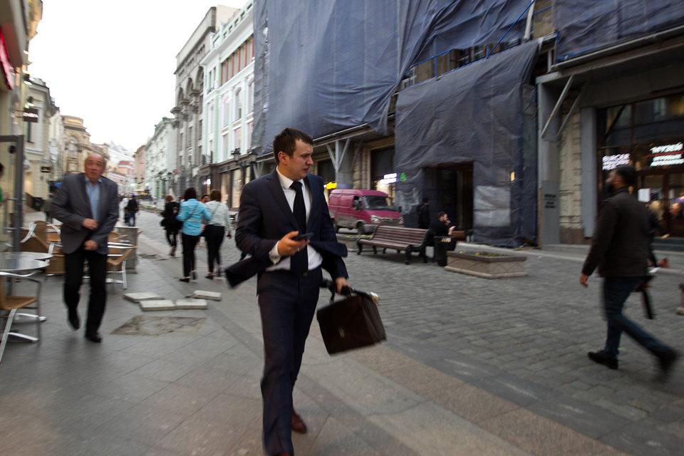 В понедельник во время шторма в Москве операторы не смогли вовремя предупредить всех своих столичных абонентов о разрушительном шторме