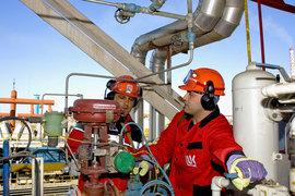 Перерабатывать нефть дешевле всего там, где есть потребитель