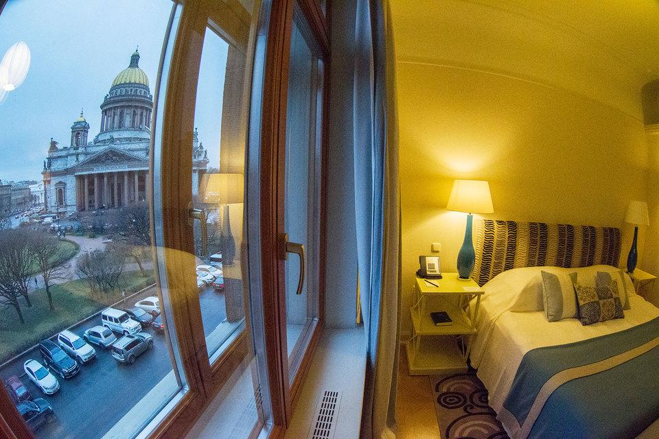 Отели в этот период выставляют открытые, т. е. максимальные, цены, по которым гостиница вообще продает номера