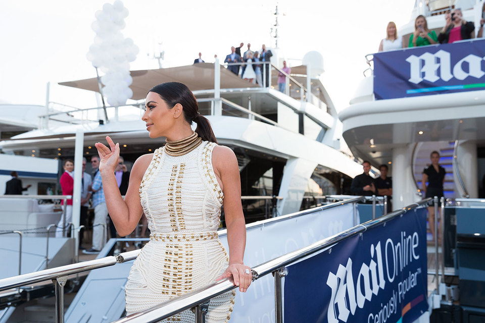 Вечеринки с участием звезд (на фото – Ким Кардашьян) на яхтах, арендованных Daily Mail, вызвали неудовольствие участников и организаторов фестиваля рекламы в Каннах
