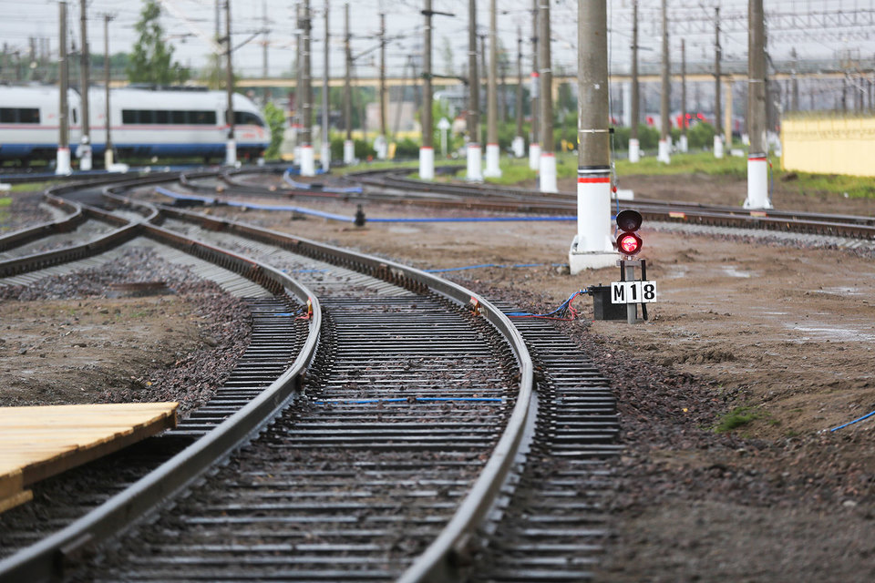 За проезд над железнодорожными путями водителям придется заплатить