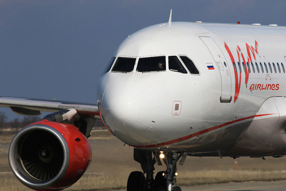 Массовая задержка и отмена рейсов «ВИМ-авиа» случились из-за позднего возврата трех бортов с планового техобслуживания, совпавшего с началом отпусков