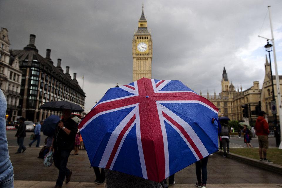 Канун выборов вВеликобритании: партия Мэй потеряет большинство впарламенте— опрос