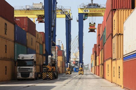 UCL Holding установил монопольно высокие цены на перевалку контейнеров, считает ФАС