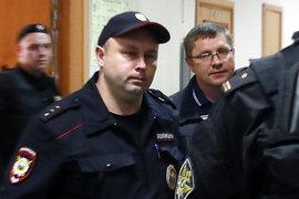 Андрей Горьков (справа) в Басманном суде