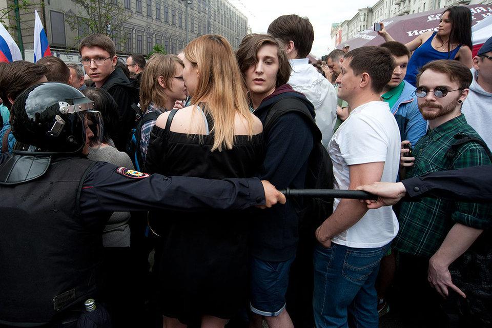 Мэрия разрешила сторонникам Навального гулять по Тверской, если они не будут приносить с собой плакаты и выкрикивать лозунги