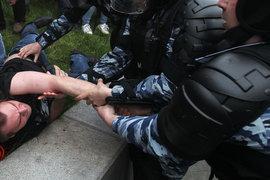 Задержания людей на несанкционированном митинге были ожидаемы, эксперты видят цель Навального в радикализации протеста
