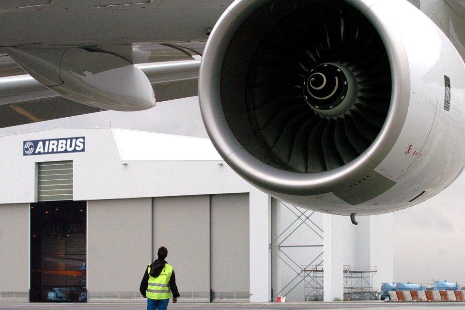 Airbus грозится перенести из Британии оба завода