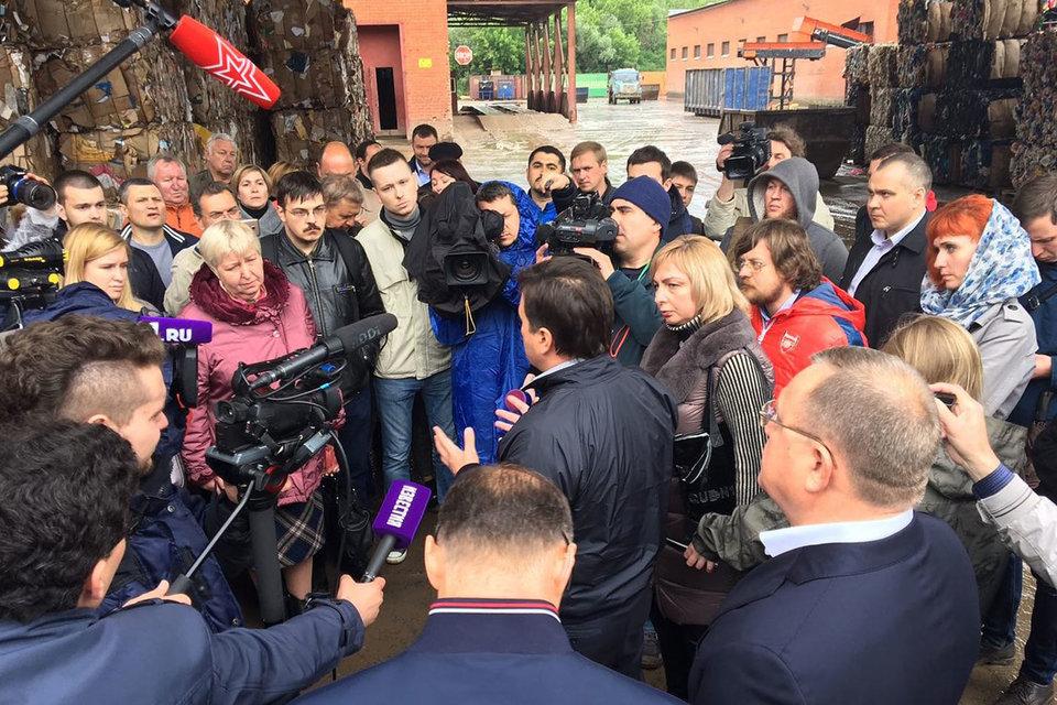 Воробьев побывал на свалке в Балашихе после прямой линии Путина