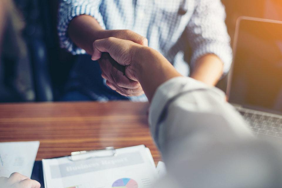В 2017 г. рынок труда перестал быть статичным – выросла доля компаний, которые готовы менять численность персонала, как набирать, так и сокращать сотрудников, выяснила Kelly Services
