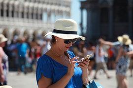 Сотовые операторы в Евросоюзе перестали взимать плату за роуминг с местных абонентов