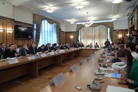 Депутаты решили, что общение с «лидерами мнений» должно быть постоянным, на базе комитета по делам молодежи