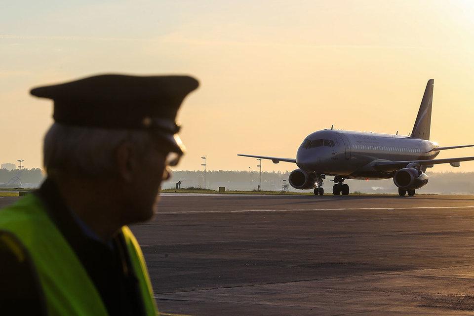 Вопрос волнует не только пилотов, но и инженеров, техников, бортпроводников и др., говорится в тексте петиции