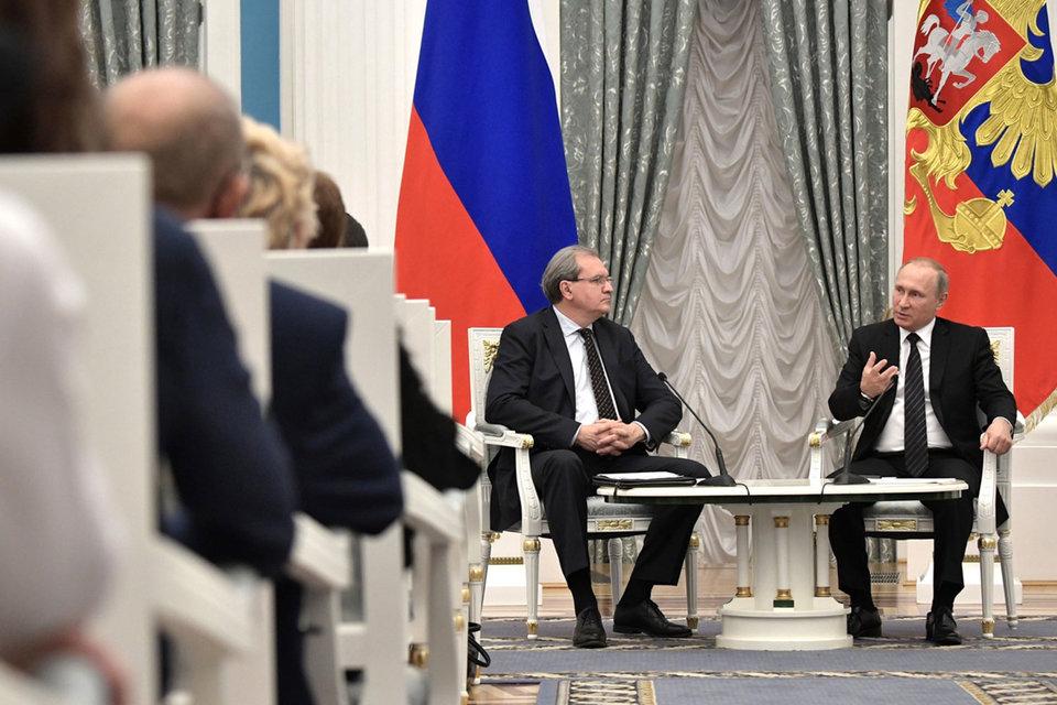 Путин не возражал против нового направления работы ОП, но призвал общественников «ни в коем случае не обращаться ко всяким министерствам и ведомствам» за границей