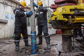 Нельзя сказать, что какой-то конкретный фактор повлиял на снижение цен на нефть