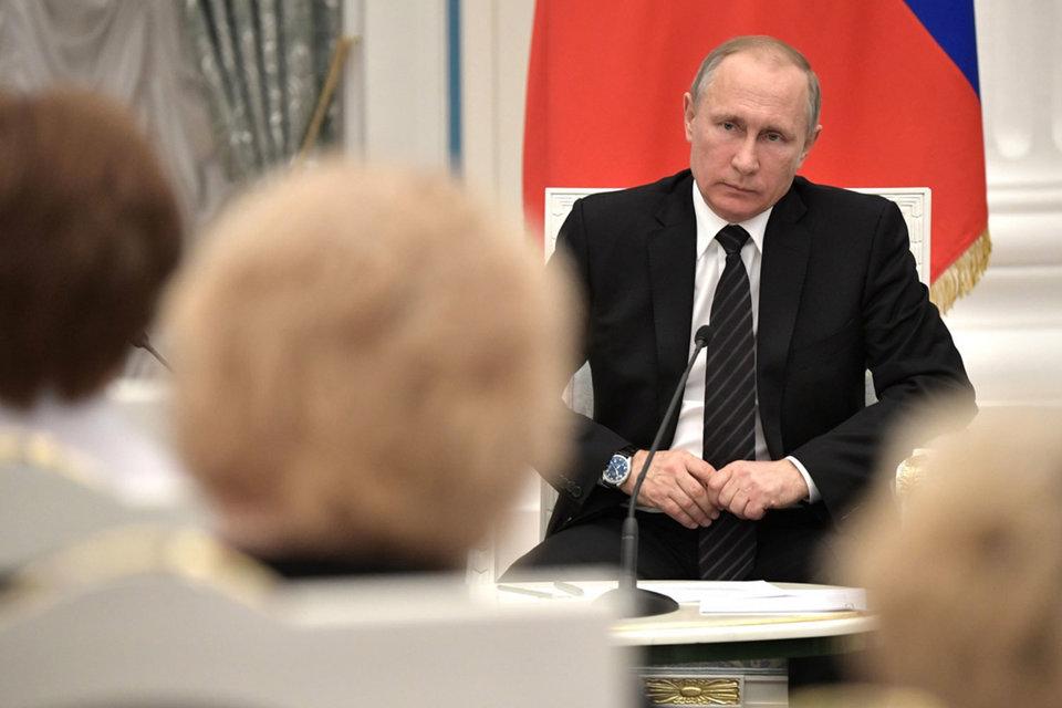 За последние годы Путин сосредоточился на внешней политике, для того чтобы запастись поддержкой в стране и показать свои амбиции за рубежом