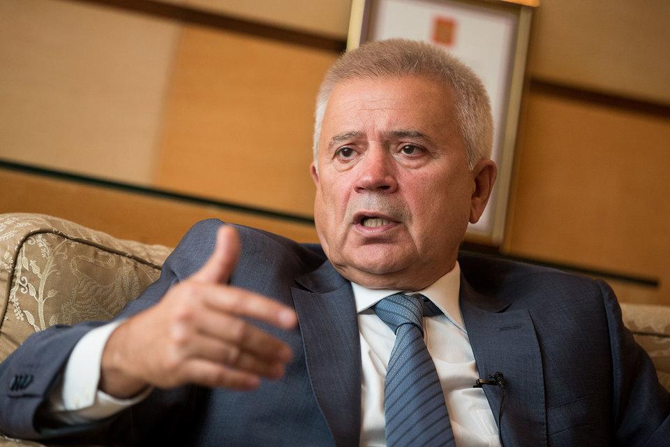 Алекперов обещал защищать интересы акционеров
