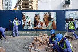 Из-за острой нехватки ликвидности строительные компании стали сокращать иностранных рабочих