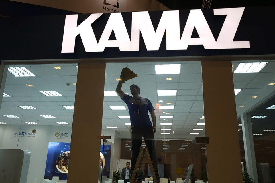 В октябре «Камаз» планирует увеличить тарифные ставки и оклады своих работников на 5%