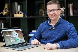 У Владимира Свешникова родилась идея сделать программу-робота, которая обзванивает кандидатов