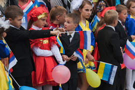 Украинский политолог Владимир Фесенко считает, что на отношение россиян к Украине влияет пропаганда, а на отношение украинцев к россиянам – события на юго-востоке страны