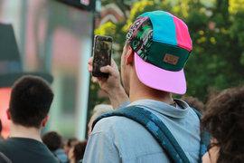 Рост трафика действительно связан с увеличением видеоконтента, а также подключением к домашнему WiFi многочисленных мобильных устройств