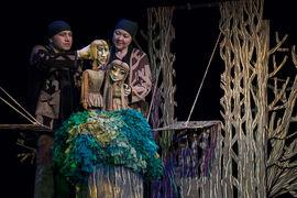 В спектакле проектного театра R.A.A.M. «Оборотень» языческая обрядовость не идет вразрез с игровой природой театра
