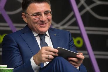 Глава Роскомнадзора Александр Жаров добился включения Telegram в реестр организаторов распространения информации и теперь вправе предъявлять мессенджеру новые законные требования