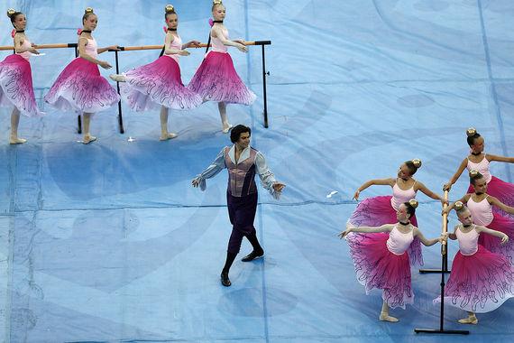 Николай Цискаридзе показал русский балетный класс и выступил в роли учителя балерины Анны Павловой