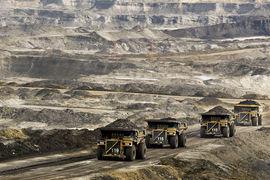 В провинции Альберта сейчас начинается эксплуатация месторождений нефтеносных песков, разработка которых была одобрена, когда нефть стоила $100 за баррель