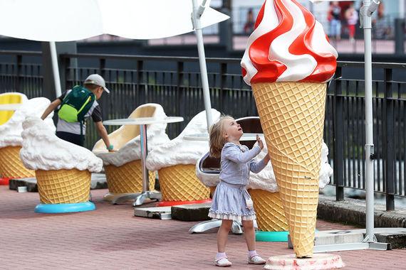 Жара до 40 градусов установилась в понедельник, 3 июля, в Сочи. Местный МЧС предупредил, что в ближайшие несколько дней сухая и очень жаркая погода установится во всем Краснодарском крае