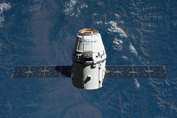 normal 1aae Космический корабль Илона Маска стал многоразовым