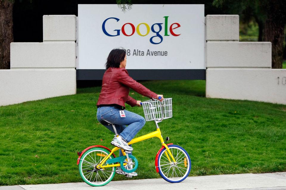 Google заявил, что его собственный ежегодный анализ зарплат говорит об отсутствии гендерной дискриминации среди 74 000 сотрудников