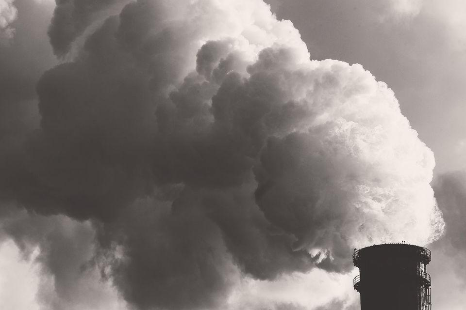 Если экологическая обстановка начинает зашкаливать, то она становится непреодолимым препятствием на пути развития